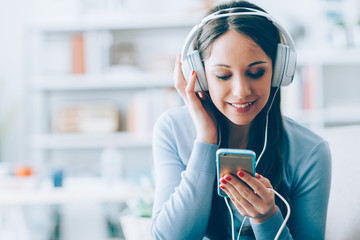 Listening to music on iphone